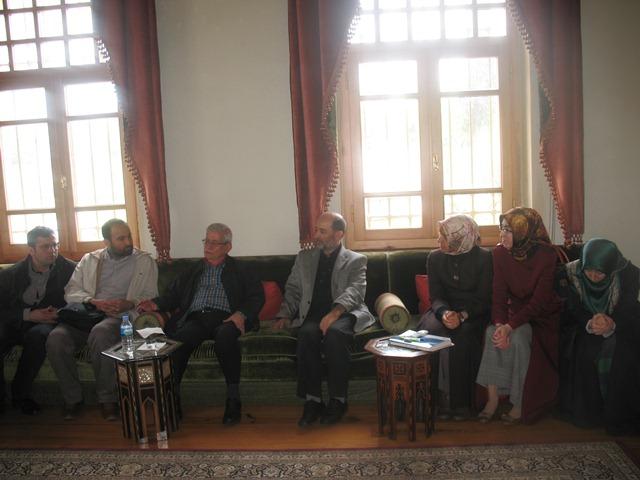 http://sbe.fatihsultan.edu.tr/resimler/upload/Gul-Yetistiren-Adam-Hakkinda-Bilinmeyenler-Semineri-Yapildi-3030613.jpg