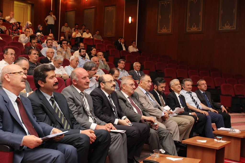http://sbe.fatihsultan.edu.tr/resimler/upload/Yil-Sonu-Sergisi-Prof-Dr-Oktay-Aslanapa-Anisina-12120613.jpg