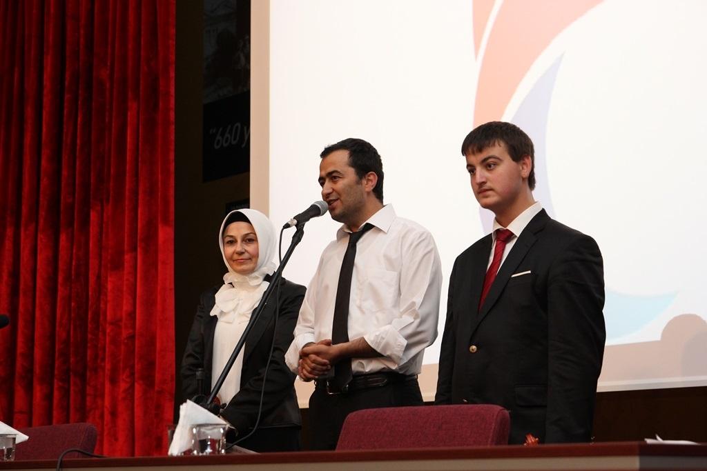 http://sbe.fatihsultan.edu.tr/resimler/upload/Yil-Sonu-Sergisi-Prof-Dr-Oktay-Aslanapa-Anisina-13120613.jpg
