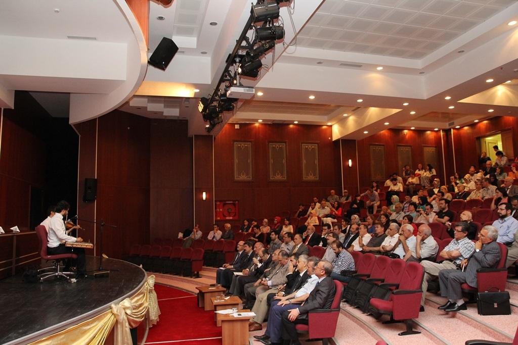 http://sbe.fatihsultan.edu.tr/resimler/upload/Yil-Sonu-Sergisi-Prof-Dr-Oktay-Aslanapa-Anisina-15120613.jpg