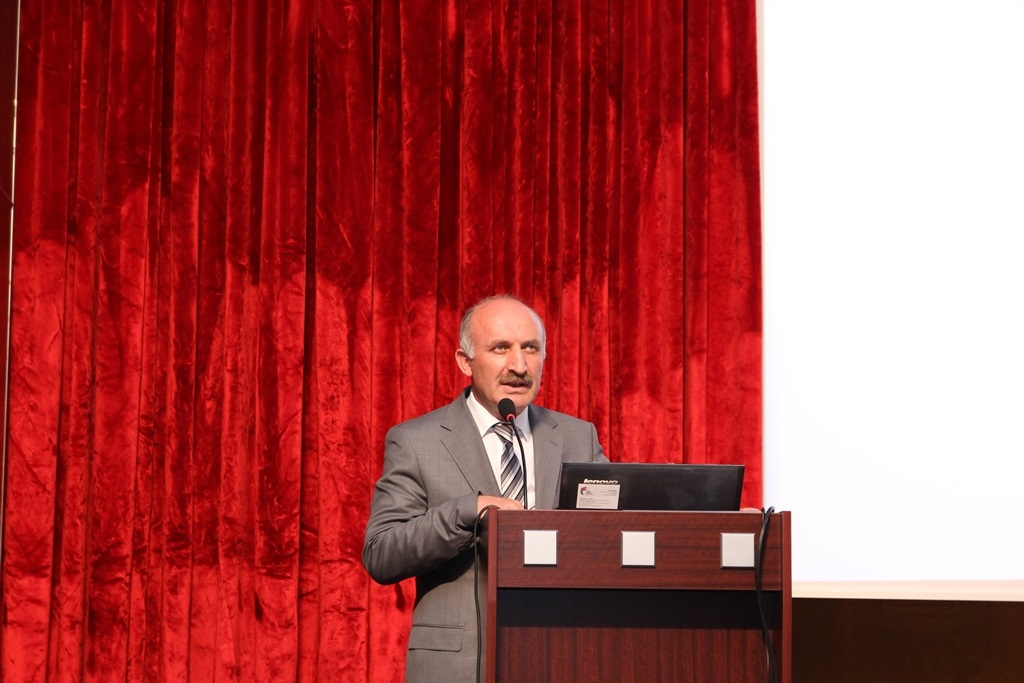http://sbe.fatihsultan.edu.tr/resimler/upload/Yil-Sonu-Sergisi-Prof-Dr-Oktay-Aslanapa-Anisina-3120613.jpg